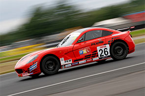 Mixed fortunes for Ginetta Juniors duo at Croft