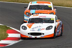 Hornby back on form in the Ginetta Juniors