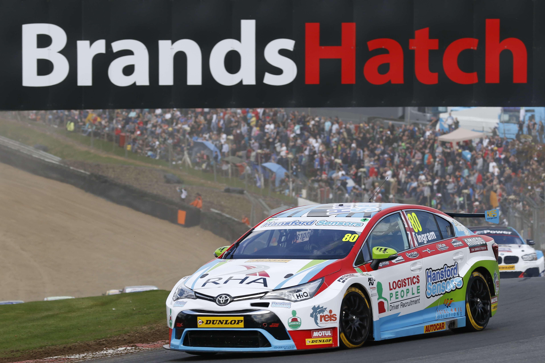 Reis Motorsport Insurance | Ingram wins BTCC opening round