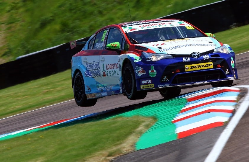 Ingram overcomes electrical issues - BTCC Thruxton 2018