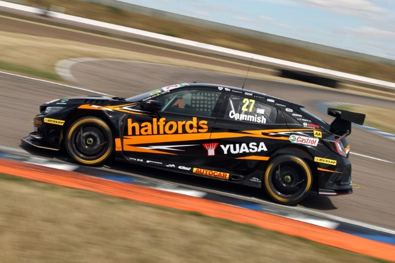 Honda duo battle hard at Rockingham