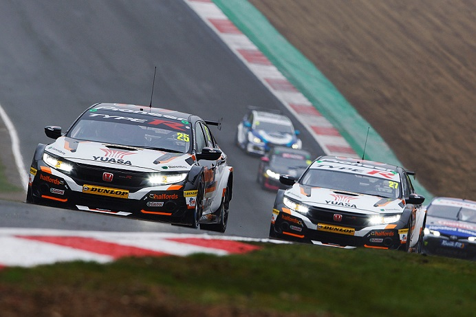 BTCC team heads to Donington Park