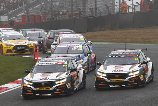 Honda battles weather to open BTCC season